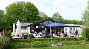 Gastronomie_TC_Blau_Weiss_Kassel_Clubhaus_Tag